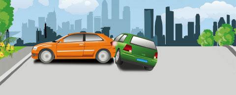 图中所示的情形中,造成事故的责任是橘黄色小客车,倒车没有避让正常行驶的车辆,绿色小客车看到前车掉头时没有停车等待。