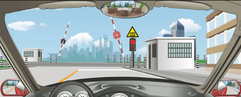 驶近一个设有信号灯和栏杆的铁路道口,遇到图中所示信号灯亮着,但栏杆还未落下,怎么做是正确的?