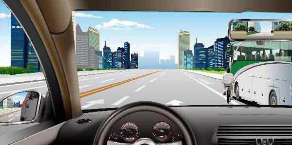 如图所示,在这种情况下要注意右侧的非机动车。