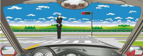 交通警察发出这种手势信号可以向左转弯。
