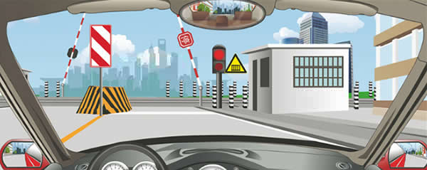 左侧标志警示前方道路右侧不能通行。