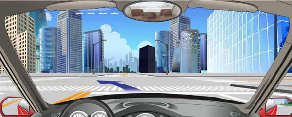 如图,路口导向线用于辅助车辆转弯行驶。