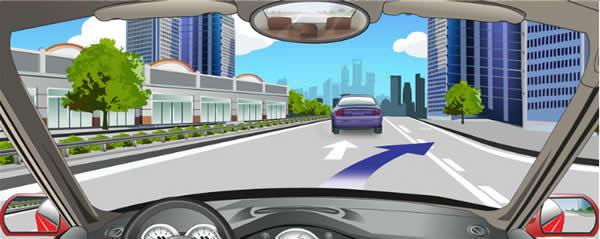 路面白色虚线实线指示实线一侧允许跨越。