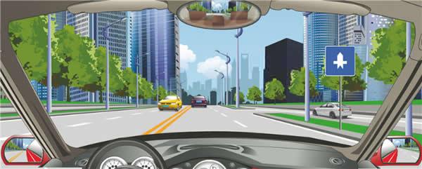 右侧标志表示干路车辆优先通行。