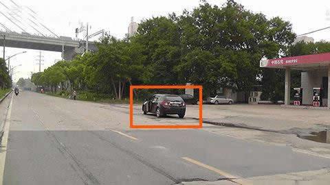 图中标注车辆在该地点停车是可以的。