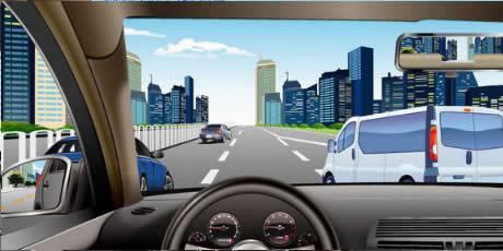 如图所示,驾驶机动车遇到右侧车辆强行变道,应减速慢行,让右前方车辆顺利变道。